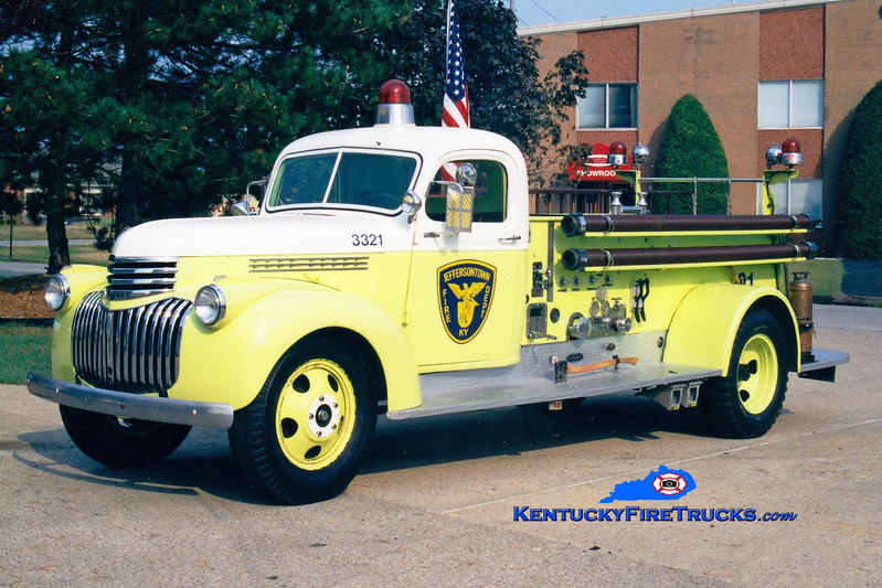 <center> ANTIQUE <br> Jeffersontown  Engine 3321 <br> 1941 Chevy/Seagrave 500/0 <br> Greg Stapleton photo </center>