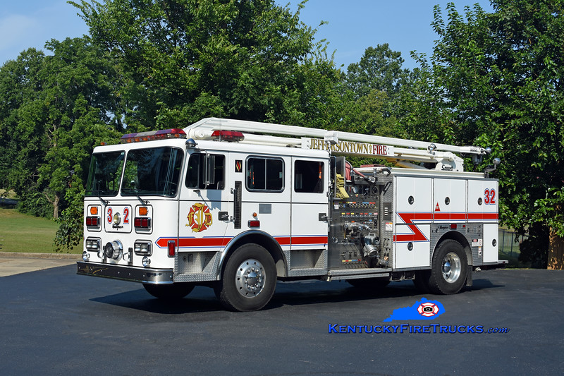 PRIVATELY OWNED <br /> Jeffersontown  Engine 3332<br /> x-McMahan, KY<br /> 1994 Seagrave JB 1500/500/54' Squrt<br /> Kent Parrish photo