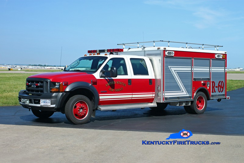 <center> Kentucky Air National Guard  Rescue 69 <br> 2005 Ford F-550 4x4/Pierce Contender P-10 <br> Kent Parrish photo </center>