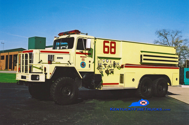 <center> RETIRED <br> Kentucky Air National Guard  Rescue 68 <br> 1987 International 5000 6x6/KME P-18 500/3300/500  <br> Kent Parrish photo </center>