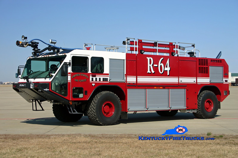 <center> Kentucky Air National Guard  Rescue 64 <br> 2006 Oskkosh Striker P-19 1950/1500/210F/450PK <br> Kent Parrish photo </center>