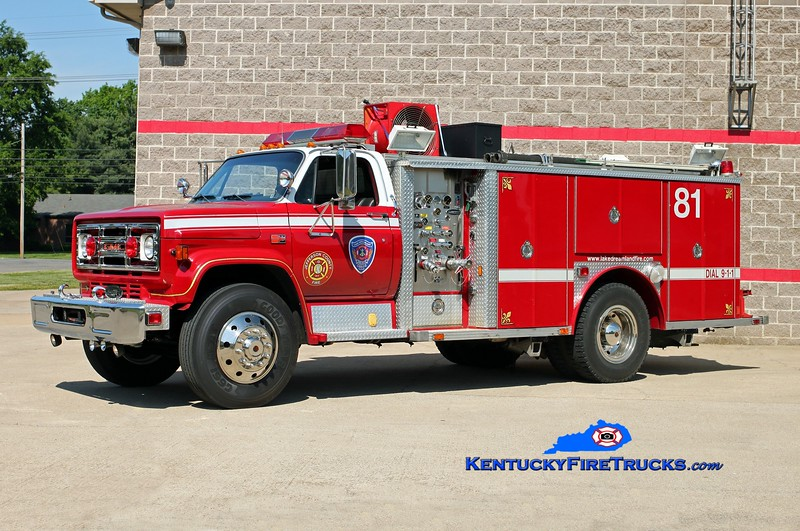<center> Lake Dreamland Rescue 4081 <br> x-Downingtown, PA & Dixie Suburban, KY <br> 1982 GMC 7000/E-One 250/300 <br> Kent Parrish photo <center>