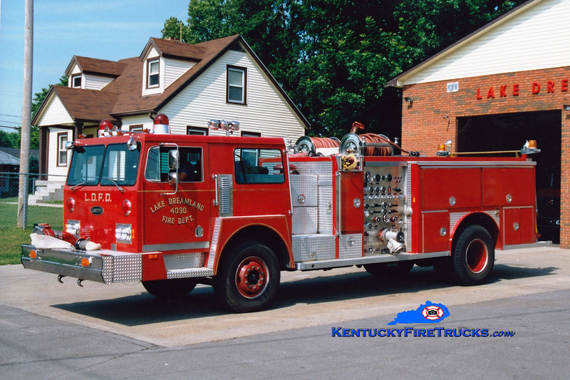 <center> RETIRED <br> Lake Dreamland  Engine 4030 <br> 1978 Hendrickson/E-One 1500/500/65  <br> Greg Stapleton photo </center>