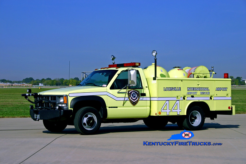 <center> REASSIGNED TO BOWMAN FIELD  <br> Louisville International Airport  Rescue 44 <br> 1998 Chevy 3500 4x4/Reading Twin-Agent <br> Kent Parrish photo </center>