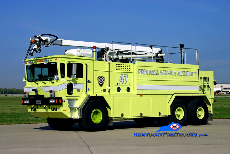 <center> RETIRED <br> Louisville International Airport  Rescue 47 <br> 1996 Oshkosh T-3000 1500/3000/240/52' Snozzle <br> Kent Parrish photo </center>