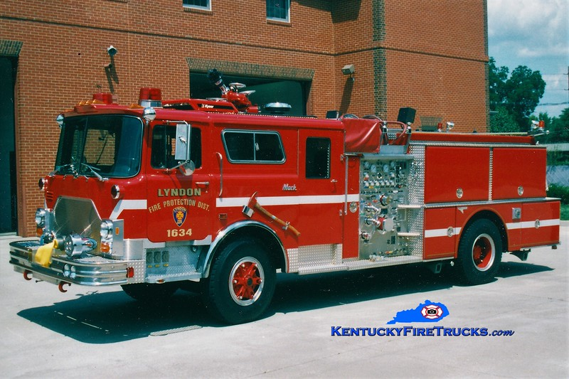 RETIRED <br /> Lyndon Engine 1634 <br /> 1990 Mack CF/Grumman 1500/500 <br /> Greg Stapleton photo
