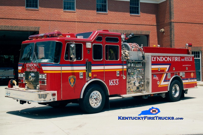 <center> RETIRED <br> Lyndon  Engine 1633 <br> 1995 KME Renegade 1250/500/10/30 <br> Greg Stapleton photo </center>