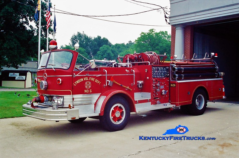 PRIVATELY OWNED <br /> Lyndon Engine 1626 <br /> 1966 Mack C 1000/500<br /> Greg Stapleton photo
