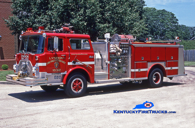 <center> RETIRED <br> Lyndon  Engine 1632 <br> 1986 Mack CF/E-One 1500/500 <br> Kent Parrish photo </center>