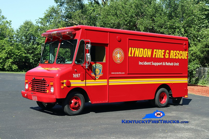 NOW WITH ST. MATTHEWS<br /> Lyndon  Support 1697<br /> 1986 GMC/Grumman-Olson/Local<br /> Kent Parrish photo