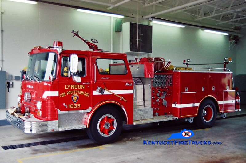 RETIRED<br /> Lyndon  Engine 1633<br /> 1968 Mack CF 1000/500<br /> Greg Stapleton photo