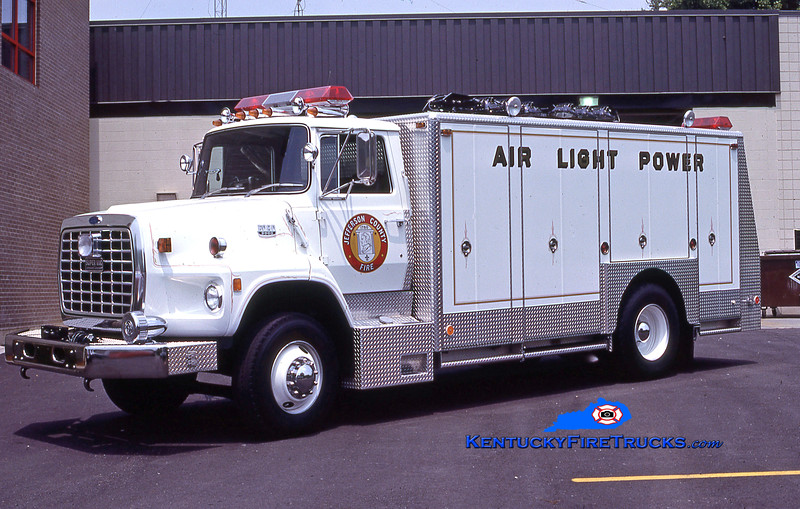 RETIRED<br /> McMahan Utility 5588<br /> 1987 Ford L8000/Super-Vac<br /> Kent Parrish collection