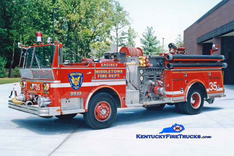 <center> RETIRED <br> Middletown  Engine 9935 <br> 1977 Ward LaFrance Ambassador 1000/500 <br> Greg Stapleton photo </center>