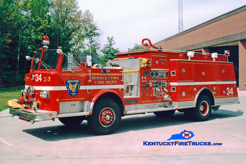 <center> RETIRED <br> Middletown  Engine 9934 <br> 1974 Pirsch 1000/800/Quad <br> Greg Stapleton photo </center>