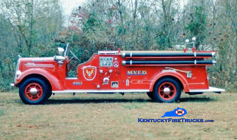 RETIRED<br /> Middletown Engine 9923 <br /> x-Garden City, NY <br /> 1948 Mack E 750/200<br /> Kent Parrish collection/MFD