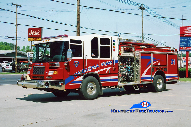 <center> Okolona  Engine 8031 <br> 2001 Pierce Quantum 2000/500/CAFS-30 <br> Kent Parrish photo </center>