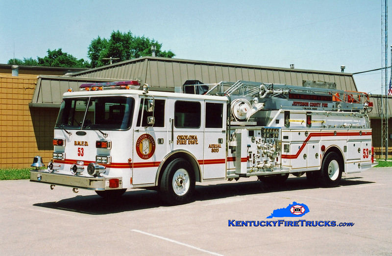 <center> RETIRED <br> Okolona Quint 8053 <br> x-Black Mudd Fire District, KY <br> 1993 Pierce Arrow/1968 Oren/Grove 1000/200/65'  <br> Kent Parrish photo </center>