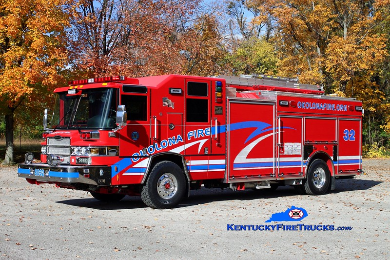 <center> Okolona Engine 8032 <br> 2013 Pierce Quantum 2000/800/30 <br> Kent Parrish photo </center>
