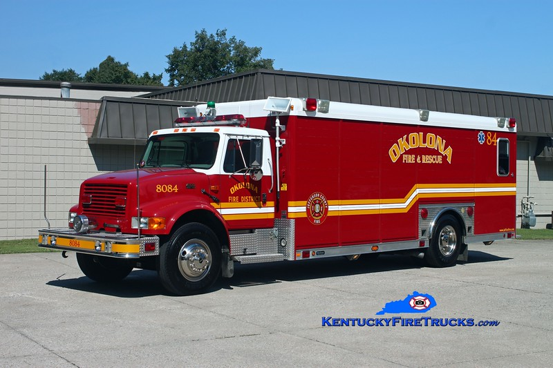 <center> Okolona Support 8084 <br> x-Edgewood Fire District, KY <br> 1999 International 4900/Hackney <br> Kent Parrish photo </center>