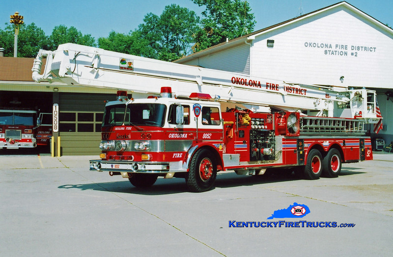 <center> RETIRED <br> Okolona Snorkel 8052 <br> x-Snorkel 8057 <br> 1972 Oshkosh/Pierce 1000/200/85' <br> Kent Parrish photo </center>