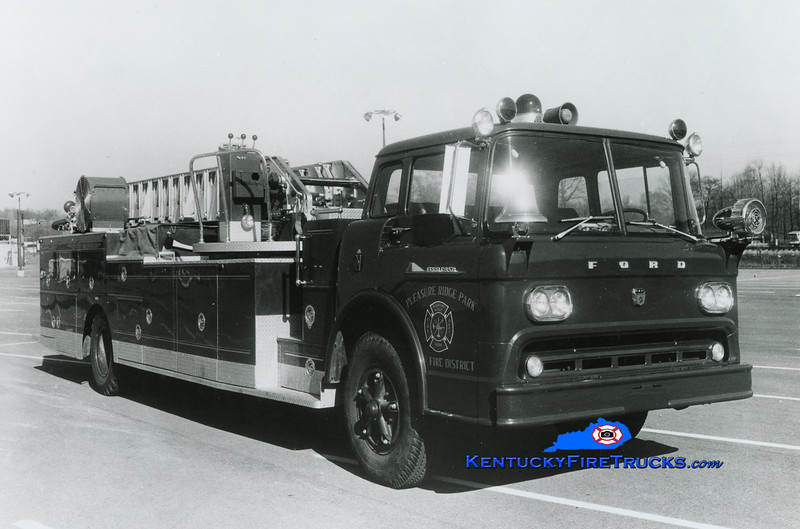 RETIRED <br /> Pleasure Ridge Park  Quint 215<br /> 1959 Ford C-950/Pirsch 750/200/85'<br /> Kent Parrish collection