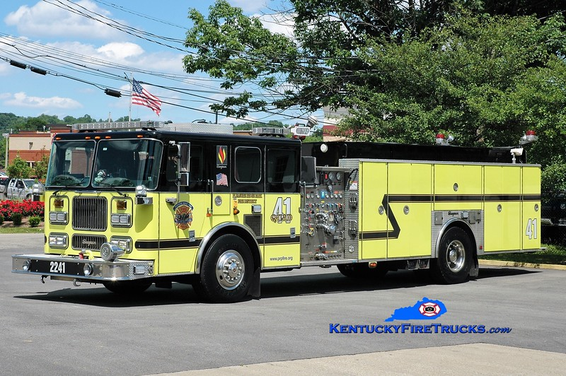AUXILIARY QUAD <br /> Pleasure Ridge Park  Quad 2241<br /> x-Quad 2214 <br /> 2000/2017 Seagrave Marauder 1500/500/50<br /> Greg Stapleton photo