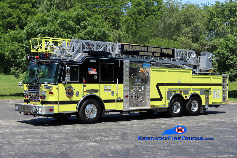 Pleasure Ridge Park  Truck 2252<br /> 2016 KME Severe Service 2000/400/103'<br /> Kent Parrish photo