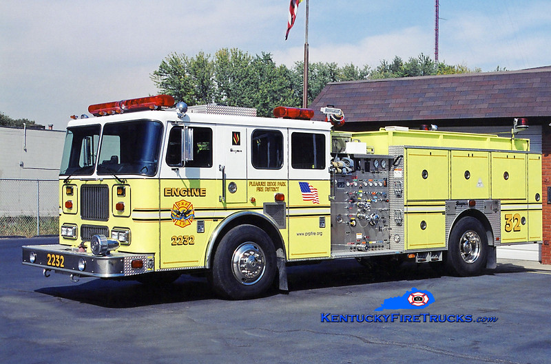 AUXILIARY ENGINE <br /> Pleasure Ridge Park Engine 2232<br /> x-Engine 2222 <br /> 2000 Seagrave Marauder 1500/750/50<br /> Kent Parrish photo