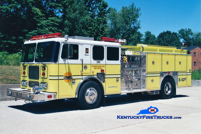 AUXILIARY ENGINE <br /> Pleasure Ridge Park  Engine 2252<br /> 2003 Seagrave Marauder 1500/750/50<br /> Kent Parrish photo