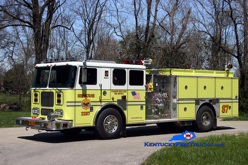 AUXILIARY ENGINE <br /> Pleasure Ridge Park  Rescue 2287<br /> 2005 Seagrave Marauder 1500/750/50<br /> Kent Parrish photo