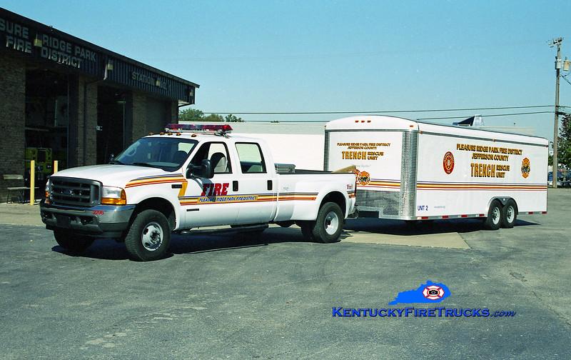 Pleasure Ridge Park/Jefferson County Trench Rescue Unit 6492 <br /> 2001 Ford F-350/Wells Cargo<br /> Kent Parrish photo
