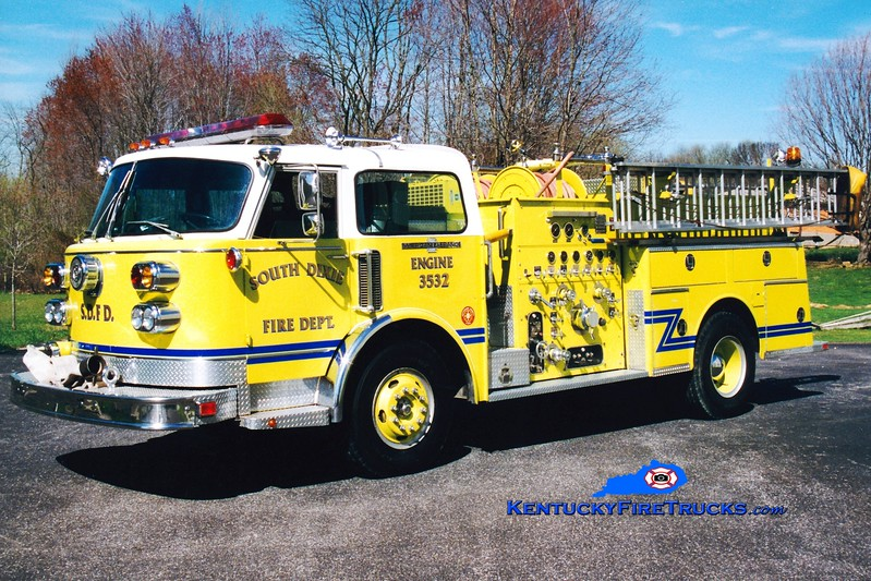 <center> RETIRED <br> South Dixie  Engine 3532 <br> 1982 American LaFrance Century 1500/500 <br> Greg Stapleton photo </center>