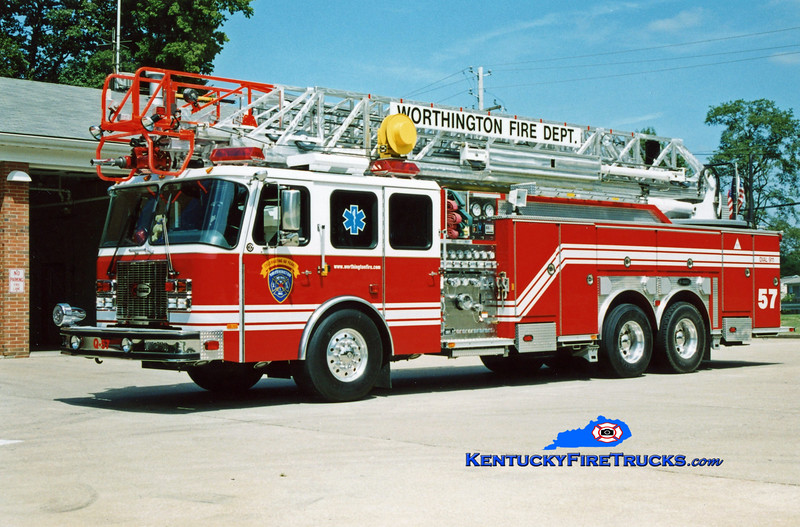 <center> Worthington  Quint 1857  <br> 2002 E-One Cyclone II 1500/500/100' <br> Kent Parrish photo </center>