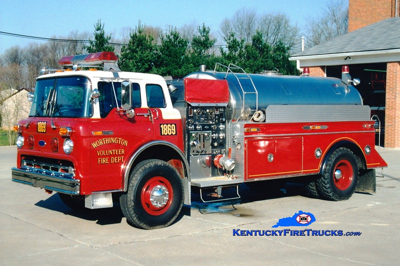 RETIRED<br /> Worthington Tanker 1869<br /> 1987 Ford C-8000/S&S 500/2000<br /> Greg Stapleton photo