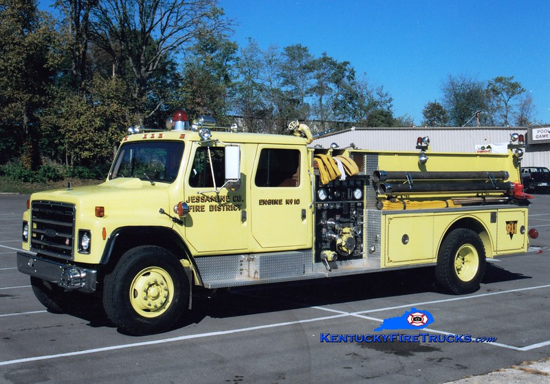 <center> Jessamine County  Engine 10 <br> 1986 International/Pierce 1000/1000 <br> Greg Stapleton photo <br> </center>