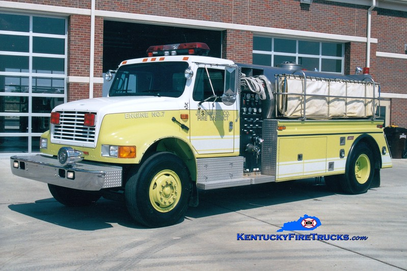 <center> Jessamine County  Tanker 7 <br> 1993 International 4900/Summit 500/2000 <br> Greg Stapleton photo <br> </center>