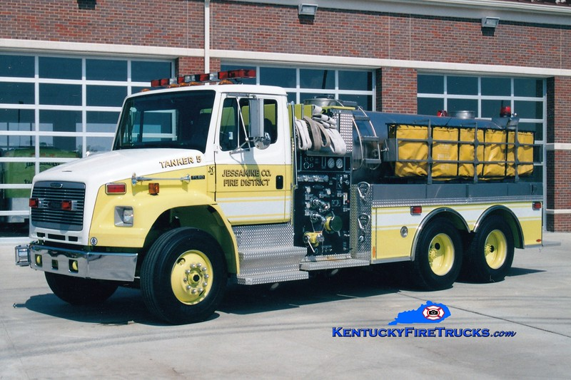 <center> Jessamine County  Tanker 5 <br> 1998 Freightliner FL80/Pierce 1250/2000 <br> Greg Stapleton photo <br> </center>