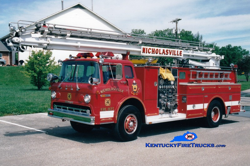 <center> RETIRED <br> Nicholasville  Engine 4 <br> 1982 Ford C/Grumman-Howe 1000/500/55' Readi-Tower <br> Greg Stapleton photo <br> </center>