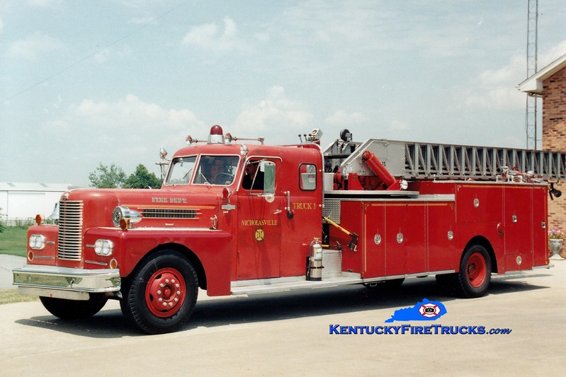 <center> RETIRED <BR> Nicholasville  Truck 1 <br> x-Lexington, KY <br> 1961 Pirsch 75'  <br> Greg Stapleton photo <br> </center>
