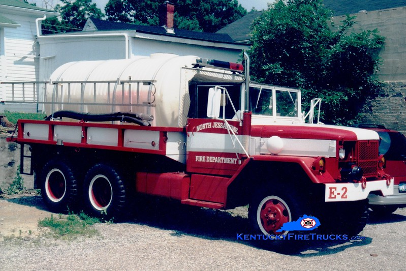 <center> RETIRED <br> North Jessamine County Engine 2 <br> 1970 AM General 6x6/FD 250/1600  <br> Greg Stapleton photo <br> </center>