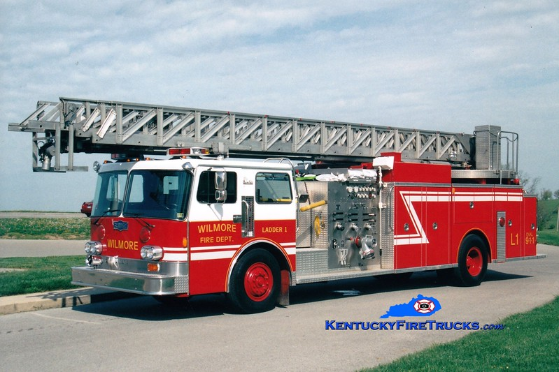 <center> RETIRED <br> Wilmore  Ladder 1 <br> x-Mt. Oliver, PA <br> 1985 Pemfab/Pirsch 1750/300/85' <br> Greg Stapleton photo </center>