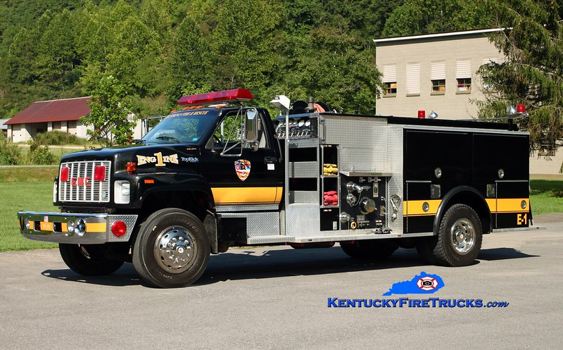 <center> Oil Springs  Engine 1 <br> x-Benton, AR <br> 1992 GMC TopKick/Pierce 1250/1000/30 <br> Kent Parrish photo </center>