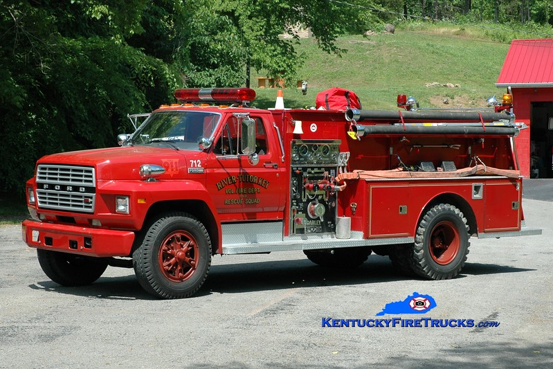 <center> River-Tutor Key  Engine 712  <br> 1983 Ford F-800/Darley 750/750 <br> Greg Stapleton photo </center>