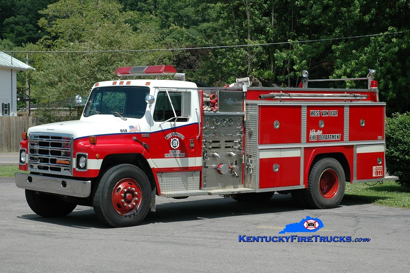 <center> RETIRED <br> West Van Lear  Engine 914  <br> 1987 International S1900/American-Collins 1000/1000 <br> Greg Stapleton photo </center>