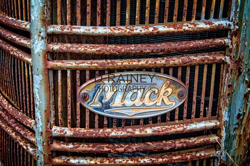 Mack Grill