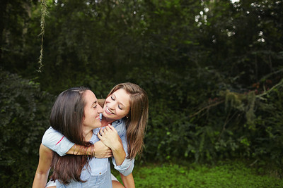 Kari & Amanda0021