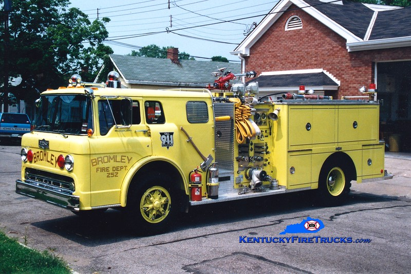<center> RETIRED <br> Bromley  Engine 252 <br> 1980 Ford C/Pirsch 1000/500 <br> Greg Stapleton photo </center>