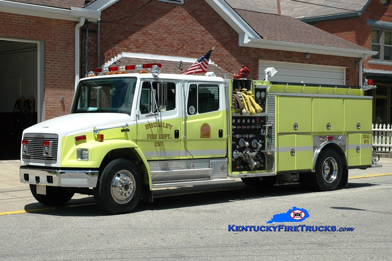 <center> RETIRED <br> Bromley  Engine 251 <br> 1994 Freightliner FL80/Ferrara 1250/500 <br> Greg Stapleton photo </center>