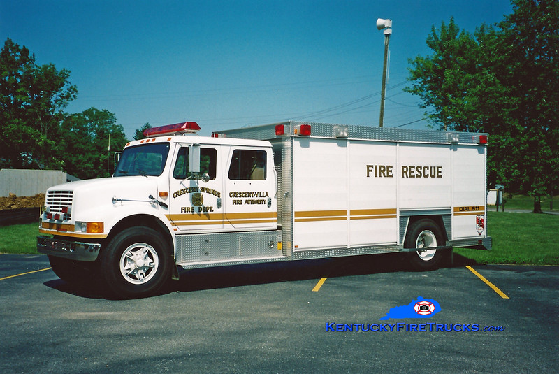 <center> Crescent Springs-Villa Hills  Rescue 524 <br> 1992 International 4900/Ohio Truck Equip/Sutphen  <br> Kent Parrish photo </center>