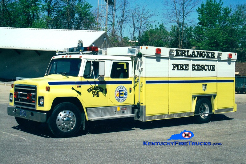 <center> RETIRED <br> Erlanger  Rescue 74 <br> 1986 International/Summit <br> Greg Stapleton photo </center>